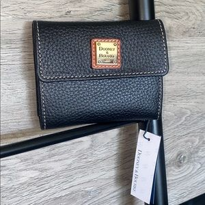 NWT-Dooney&Bourke Pebble Leather Small Flap Wallet